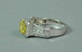18K YELLOW & WHITE DIAMOND RING, 1.48CTW