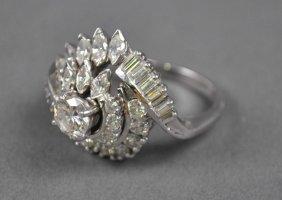 DIAMOND AND PLATINUM CLUSTER RING, 2.50CTW