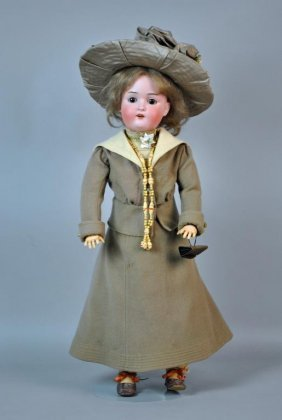 Lot Day 2 Of 2 | Dolls & Collectibles