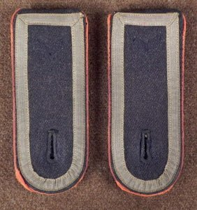 GERMAN WEHRMACHT SHOULDER BOARD PAIR