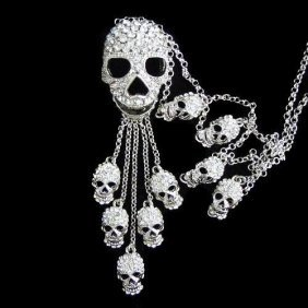 Swarovski Crystal Skull Pendant Necklace Mwf2301