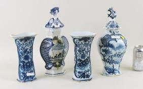 Group Delft Pottery - Vases, Urns
