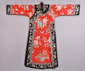CHINESE SILK EMBROIDERED ROBE, MID 20th C