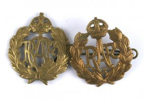Lot Of 2 Wwii Commonwealth Aviation Cap Badges
