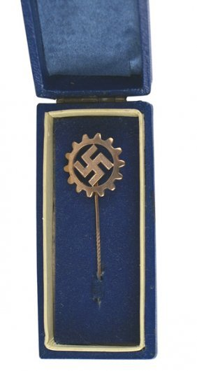 German Wwii Daf Labor Front Medal