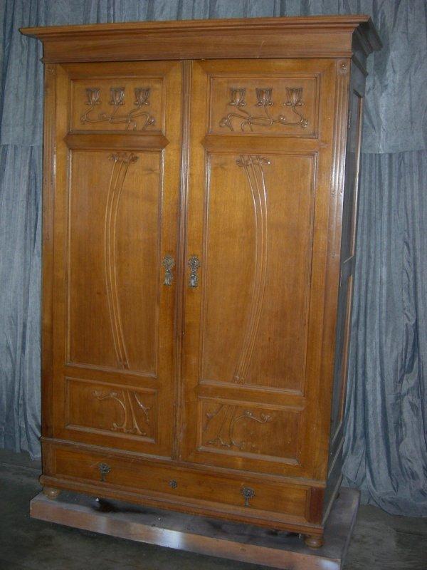 166 art nouveau armoire lot 166. Black Bedroom Furniture Sets. Home Design Ideas