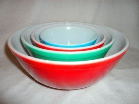 FOUR PYREX OVEN WARE NESTING BOWLS