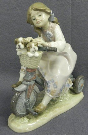 "Lladro ""Traveling In Style"" Figurine."
