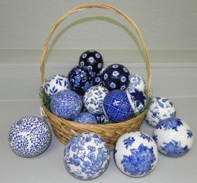(25) Ceramic Blue And White Balls