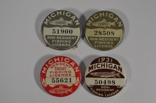 4 michigan fishing license buttons lot 393 for Michigan non resident fishing license