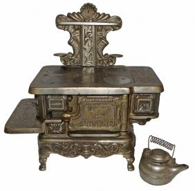 CAST IRON PRIZE TOY STOVE
