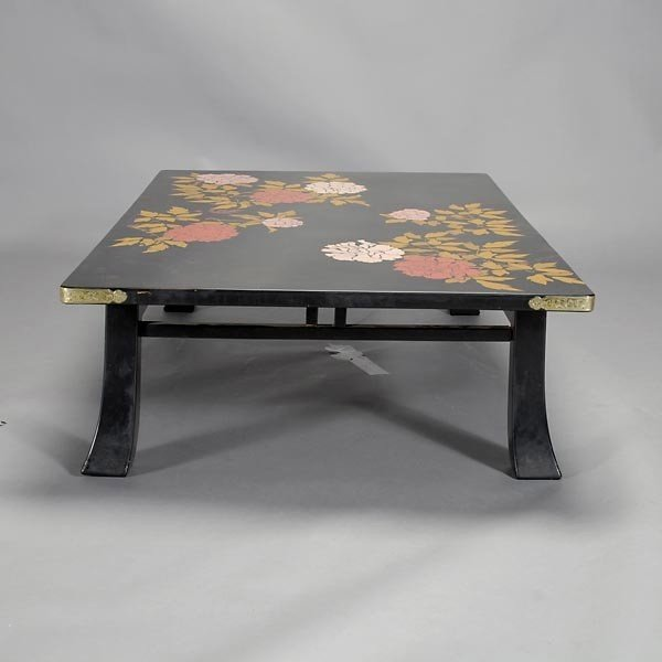 473: Japanese Black Lacquer Coffee Table : Lot 473