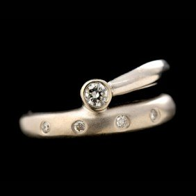 DIAMOND, 14K WHITE GOLD RING.