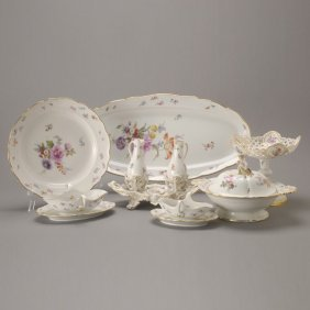 Meissen Porcelain Group Of Serving Dishes (13)