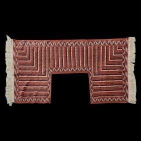 Yamut Door Surround Rug: 6 Feet 9 Inches X 10 Feet