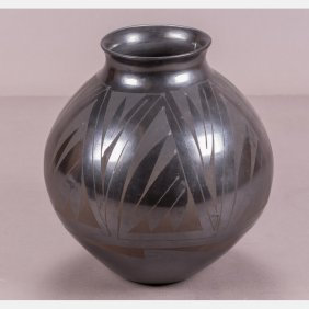 A Santa Clara Pottery Vase By Amalia Mora, 20th