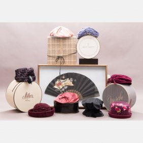 A Collection Of Eight Vintage Ladies Hats With Boxes,