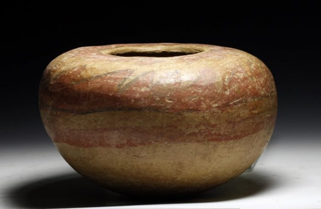 A Mogollon Anasazi Kayenta Polychrome Seed Jar Lot 258