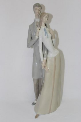 Lladro Style Figure Group,