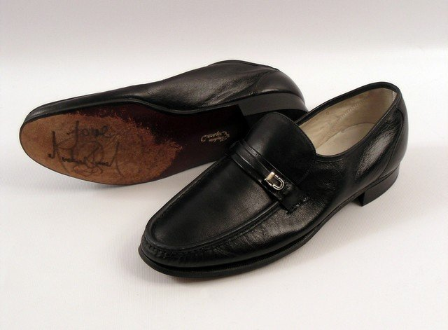 Michael Jackson Signed Florsheim Shoes Worn In HIStory ...