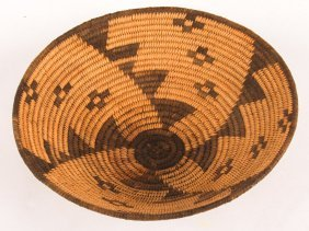 Early 20th C. Western Apache Basket