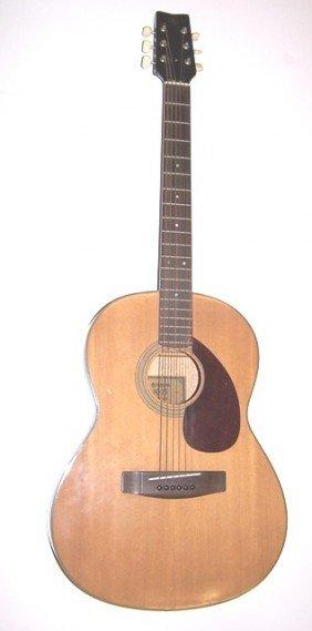 Yamaha FG-75 Guitar