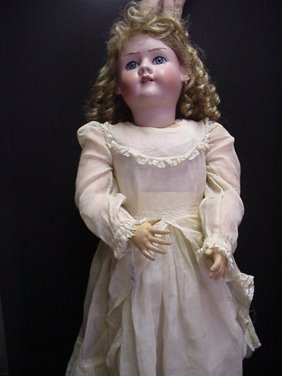 Heinrich Handwerck # 719 Bisque Doll: