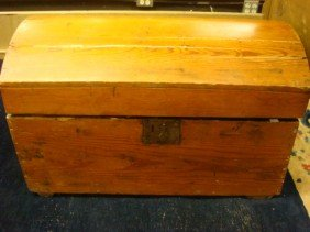 Wooden Plank Dome Top Trunk: