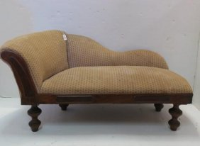 Child Size Victorian Chaise Lounge Or Recamier: