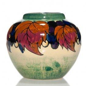 """Weller """"dedonatis"""" Vase, Woodbine, 3 3/4"""""""
