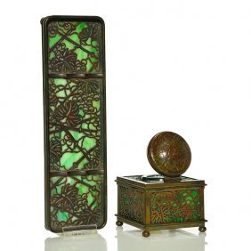"Tiffany Bronze Grape Leaf Inkwell, Pen Tray, 2 3/4"""