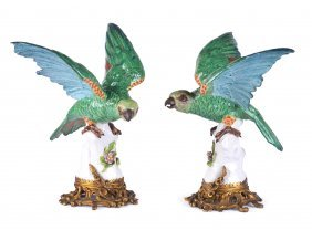 A PAIR OF SAMSON MODELS OF GREEN PARAKEETS, CIRCA 19