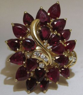 STAMPED 750 GOLD RUBY RING