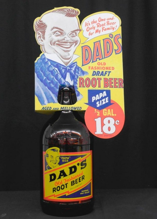 """Dad's Old Fashioned Root Beer """"Papa"""" Size Bottle/Topper : Lot 289"""