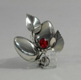 Vintage Sterling Silver Flower Shaped Pin