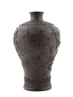 Chinese Qing Dynasty Bronze Vase