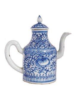 Eighteenth-century Blue And White Wine Vessel