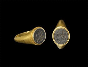 Roman Gold Ring With Victory Intaglio