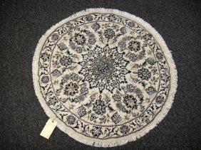 Hand Knotted Woolen Iranian Naine Round Rug