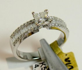 0.87ctw (0.50ct VVS F CNTR) Diamond 18KT Gold Ring