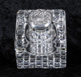 LARGE CUT GLASS INKWELL. DIAMOND PATTERN DESIGN BAS