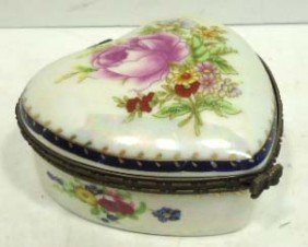 H.P. Heart Shape Porcelain Dresser Box