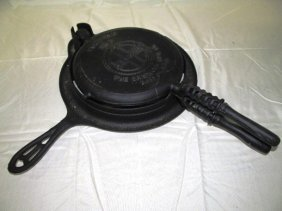 Vintage Griswold No. 8 Cast Iron Waffle Iron