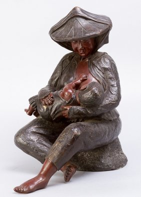 Bronce Sculpture Of A Mother With Child, Casted And