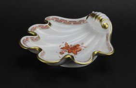 Herend Handpainted Porcelain Shell Dish. Good