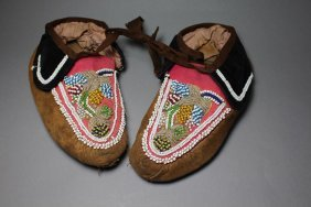 Iroquois Beaded Moccasins