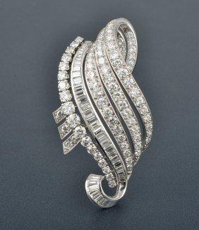 Van Cleef & Arpels Platinum Diamond Swirl Ribbon Pi
