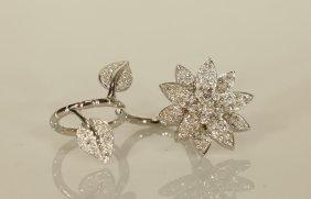 Van Cleef & Arpels Lotus Ring, Twistable Design