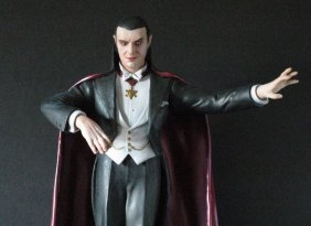 Bela Lugosi Dracula - Pro Painted Vinyl Model Figure -