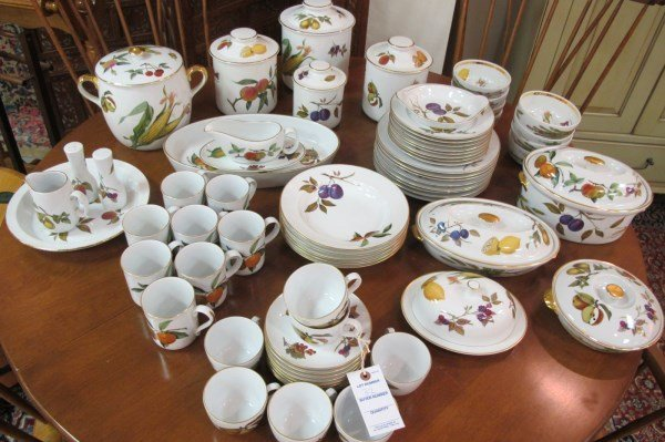 Royal worcester evesham pattern kitchen set lot 32 for Kitchen set royal